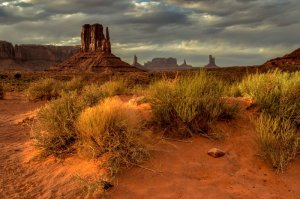 Evening-Glow-Monument-Valley