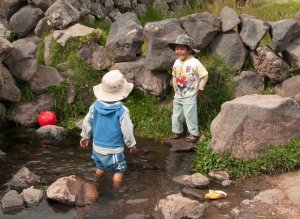 Youngsters-in-Peru-2